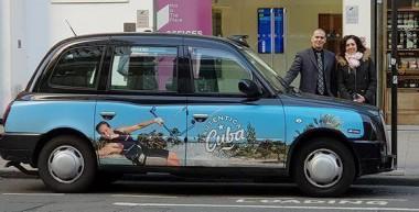 Unos 90 taxis recorren Londres con la imagen de Cuba. Foto: Ministerio de Turismo de Cuba/ Facebook.